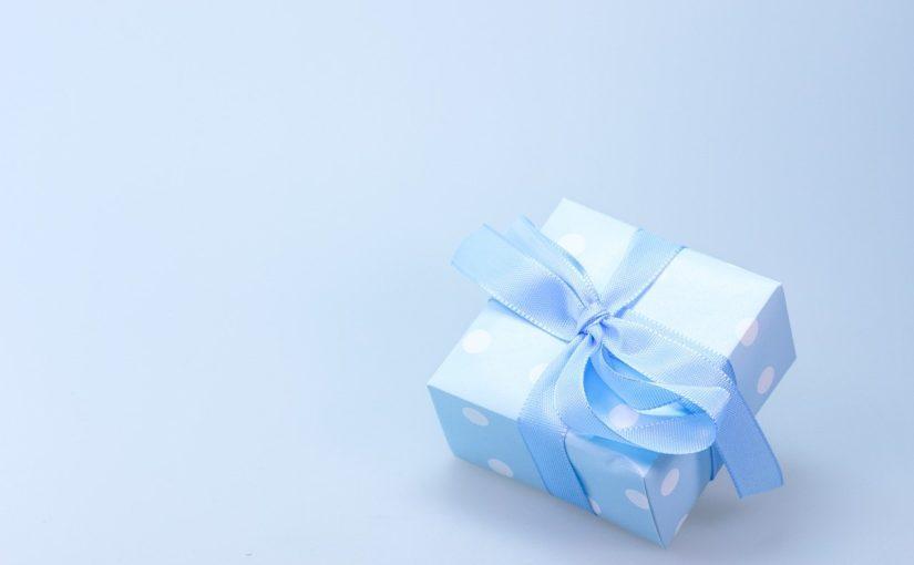 Dzień Kobiet – co podarować dziewczynie, najlepszy prezent.