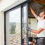 Okres budowy domu jest nie tylko ekscentryczny ale dodatkowo wybitnie trudny.